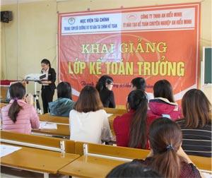 """Một số hình ảnh lớp """"Bồi dưỡng nghiệp vụ kế toán trưởng"""" tại Thanh Hoá"""
